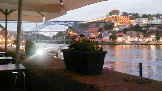 Vista - Vinhas D'Alho, Porto