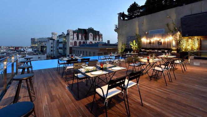 terraza - Sky Bar - Grand Hotel Central, Barcelona