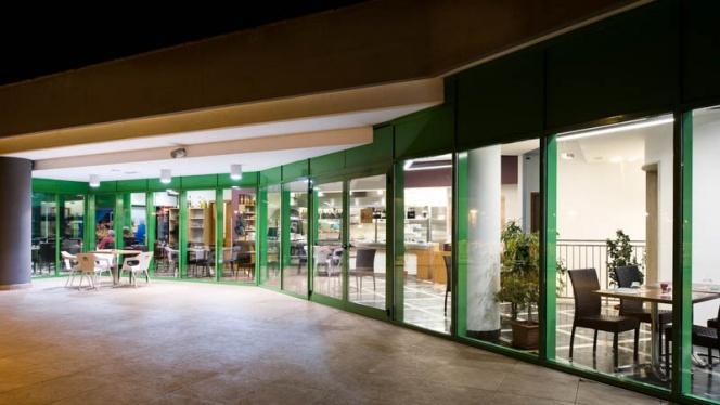 Vista esteriore del ristorante - Chiù sapore - Via Ugo Ojetti, Roma