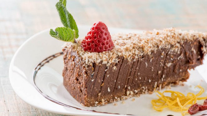 Torta al cioccolato raw - Happyraw exclusive italian food, Faenza