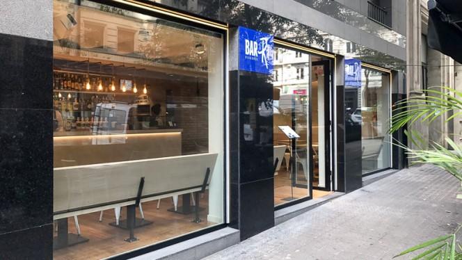 Fachada - Bar Ri - Diagonal, Barcelona