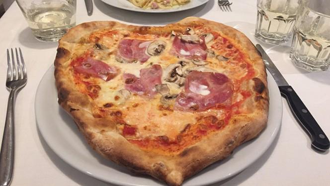 La pizza - Pizzeria Snuppi, Milan