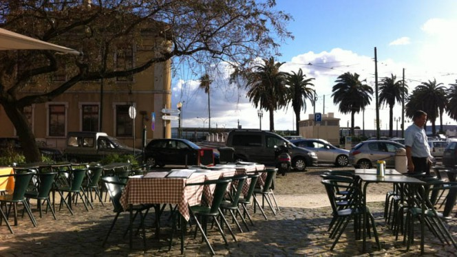 Esplanada - Adega do Atum, Lisboa
