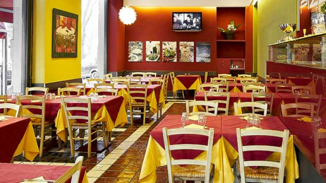 La grande sala - Donna Titina, Milano