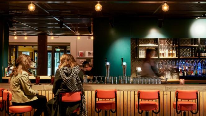 Bar - The Commons Den Haag, Den Haag