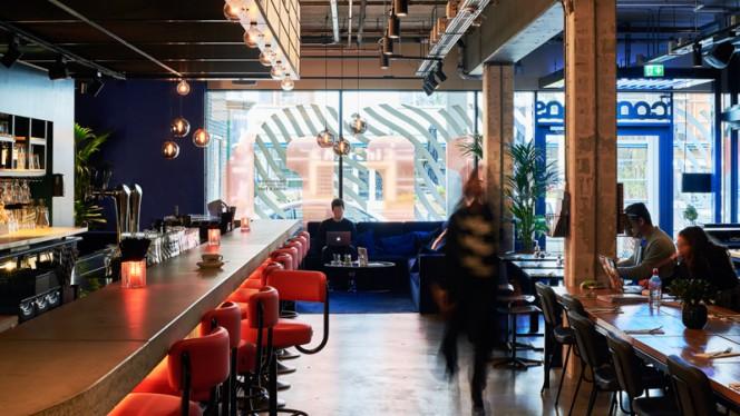 Bar gedeelte - The Commons Den Haag, Den Haag