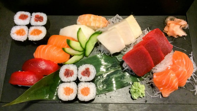 Naniwa Ramen Sushi 3 - Naniwa Ramen Sushi, Madrid