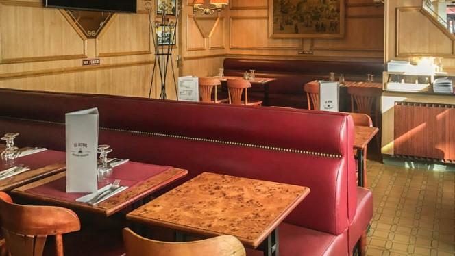 Vue des tables - Le Royal, Paris