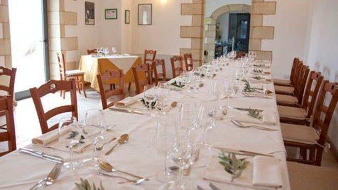 grande tavolata per ricevimenti - Masseria Stali,