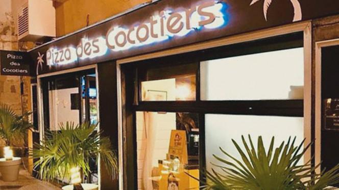 Devanture - La Pizza des Cocotiers, Martigues