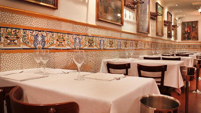 mesas y mosaicos - Ca L'Estevet, Barcelona