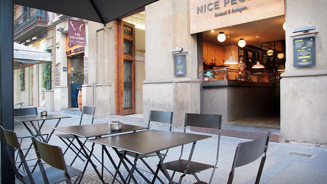 vista terraza - Nice People, Bread & Burger, Barcelona