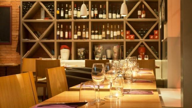 Vue table - Le Novo - Burgers . Tartares . Tapas, Aix-en-Provence