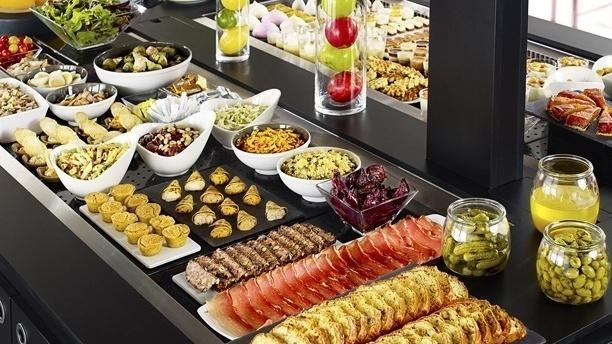 Buffet d'entrées - Campanile Strasbourg - Lingolsheim, Lingolsheim