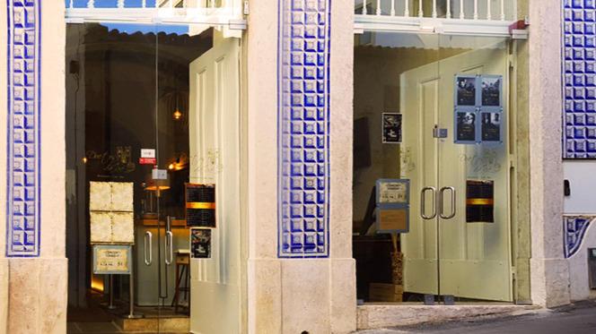 Fachada - Duetos da Sé, Lisboa