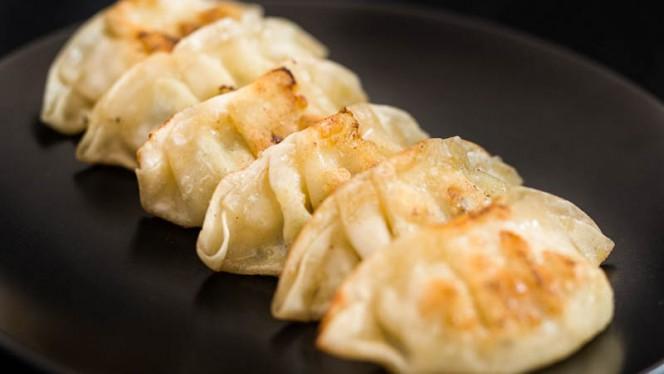 Raviolis japonais au poulet et légumes - Osaka, Saint-Laurent-du-Var