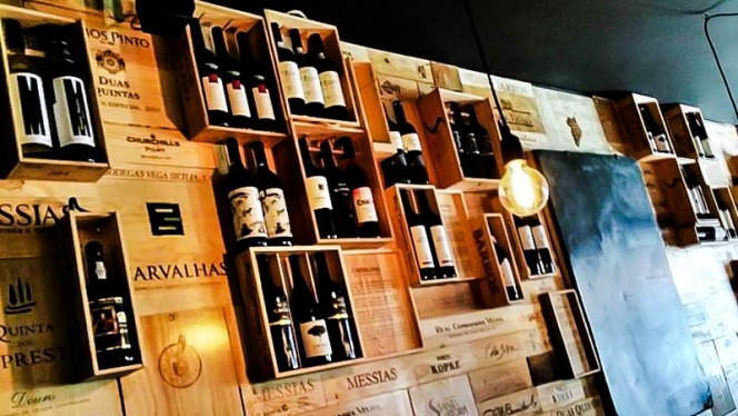Sala - The Wine Box, Porto