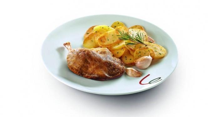 Cuisse de canard confite, pommes sautées - Campanile Strasbourg Ouest - Hautepierre, Strasbourg