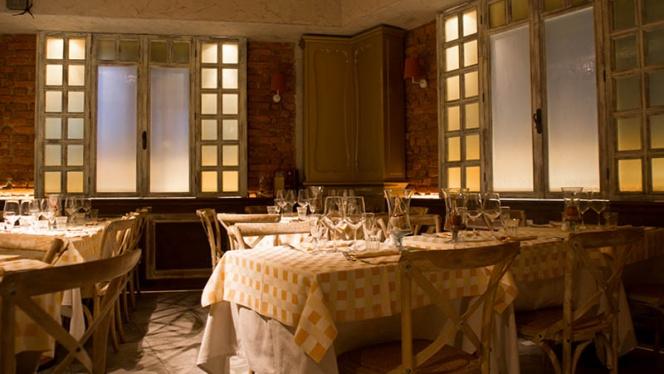 sala - Il Tavolino, Milan