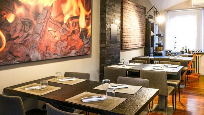 Particolare tavoli - Bricks Pop Tapas e Pizza, Torino