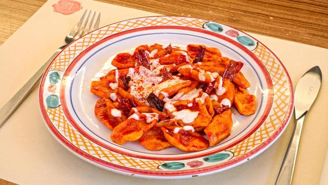 Strascinati aux poivrons séchés, cacioricotta - Miranda Cucina Italiana,