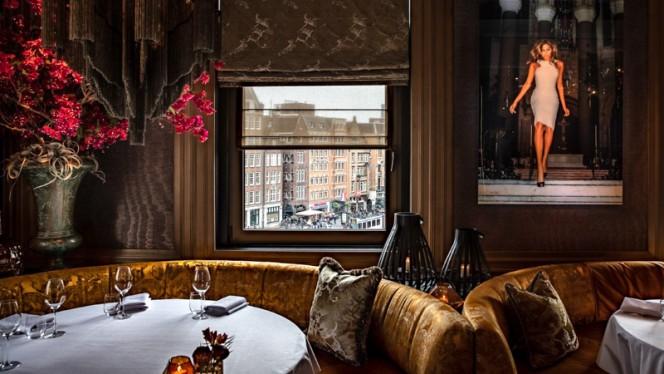 Dam Square Seating - Restaurant Bougainville, Amsterdam