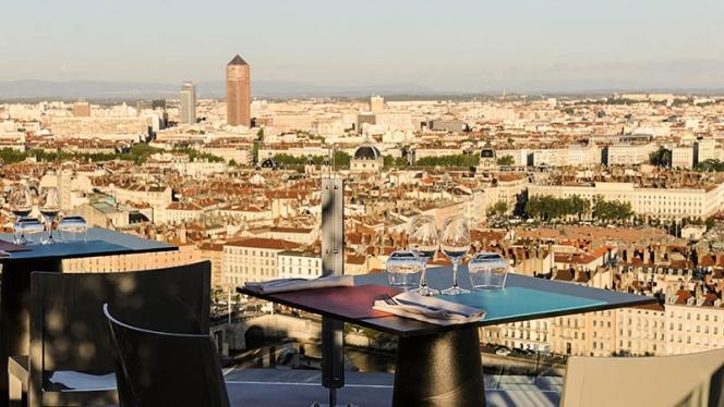 Table - La Terrasse de l'Antiquaille, Lyon-5E-Arrondissement
