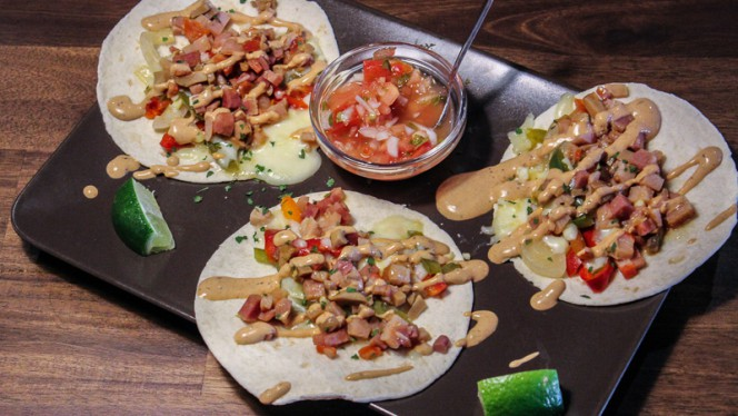 Tacos de alambre - Tecolotes, Valencia