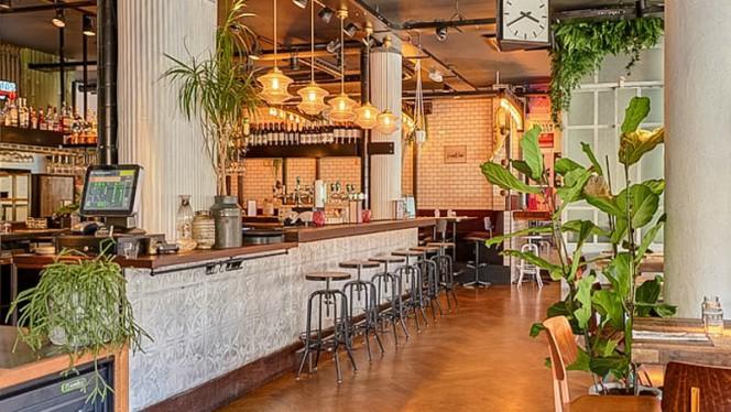 De bar - Mississippi Bar Kitchen, Amsterdam