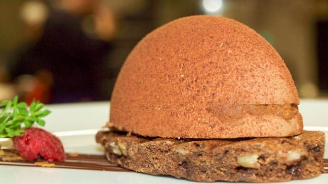 Mousse chocolat, feuillantine, noix de pécan - Crowne Plaza Euralille, Lille