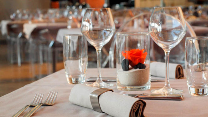 table restaurant - Crowne Plaza Euralille, Lille