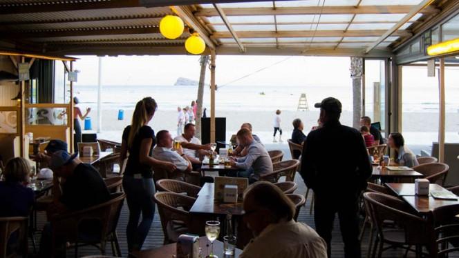 Vista sala - Bikini Beach Bar - Benidorm, Benidorm