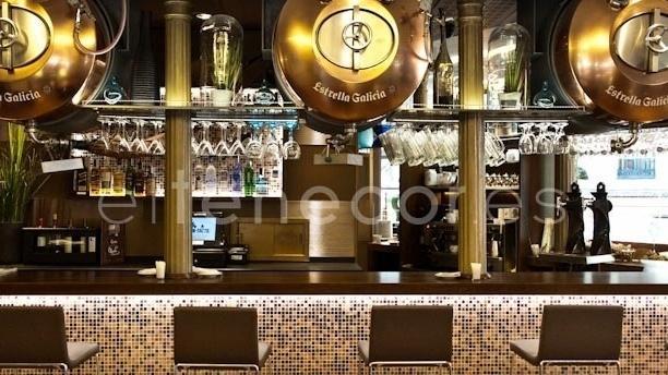 Barra - Café Varela - Hotel Preciados, Madrid