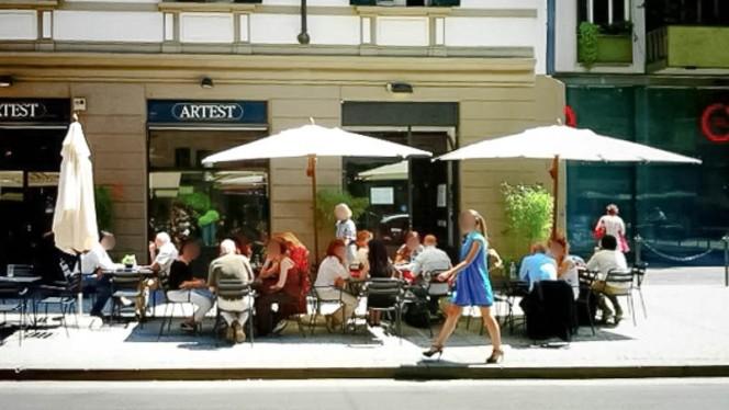 Il dehors su C.so Garibaldi - Koh Thai Bistrot - by Artest, Milan