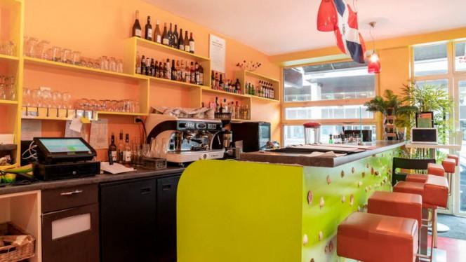 Vue de l'intérieur - Au 23 saveurs Dominicaines, Lyon