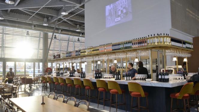Le Café ©Astrid Lagougine - Familia, Bordeaux