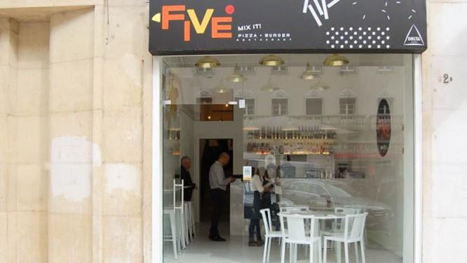 Entrada - Five, Lisboa