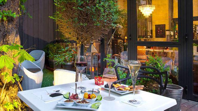 Mets et vins en terrasse - The Wine Bar - Le Boutique Hôtel, Bordeaux