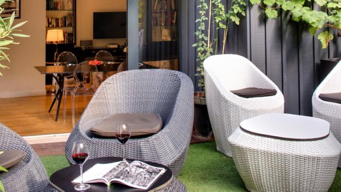 Terrasse - The Wine Bar - Le Boutique Hôtel, Bordeaux