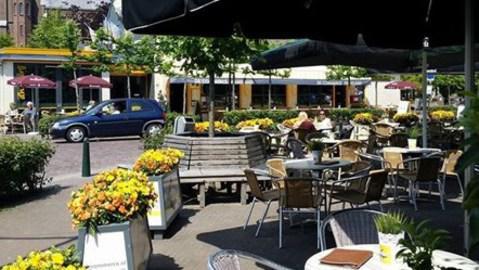 Cafe Restaurant, De Commerce, Kruisland