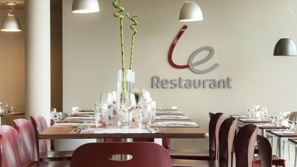 Vue des tables - Campanile Lille Wasquehal, Wasquehal