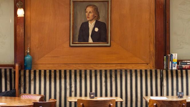 Decoratie - Café Schiller, Amsterdam