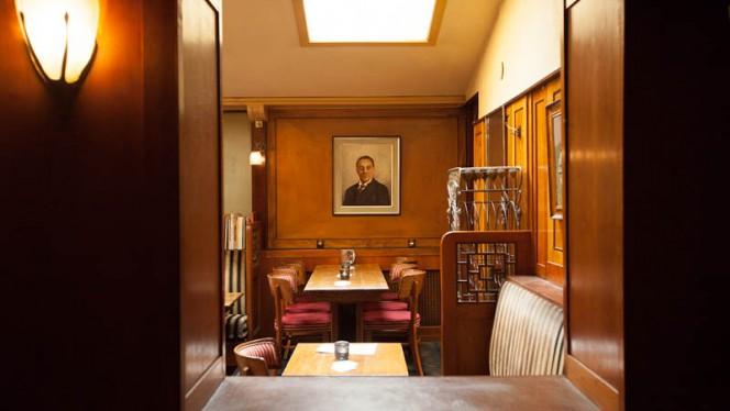 restaurantzaal - Café Schiller, Amsterdam