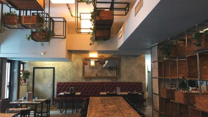 Interno - Condominio Marconi, Rome