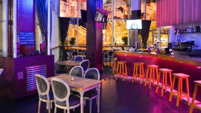 Vista bar - The Room, Barcelona