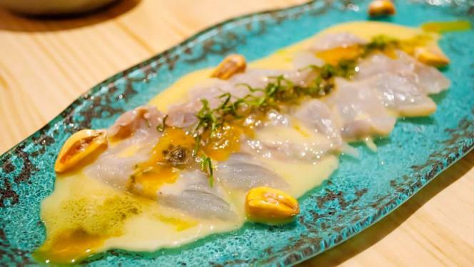 Tiradito de pescado fresco del día, leche de tigre y vinagreta de cítricos - Tendetes Gourmet, Valencia