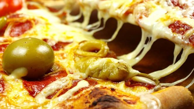 Prato - Pizzeria 4 Estações, Porto