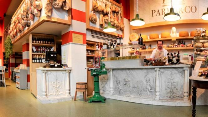 sala - Parma & Co, Milan