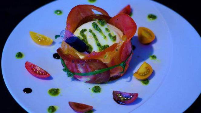 Tomate mozzarela genevoise - L'Auberge signée EHG, Chambésy