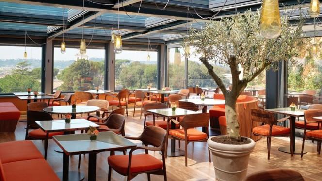 Il Giardino, uno spot ispirato alle bellezze naturali che circondano l'Hotel Eden - Il Giardino, Rome